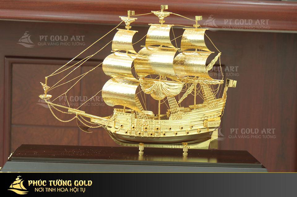 mô hình thuyền buồm cỡ to mạ vàng 24k