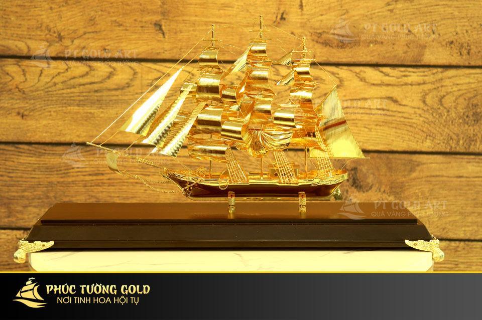 Mô hình thuyền buồm cỡ to mạ vàng mẫu 05