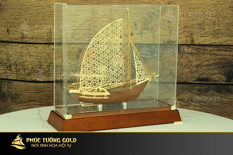 Thuyền buồm mạ vàng mẫu mới